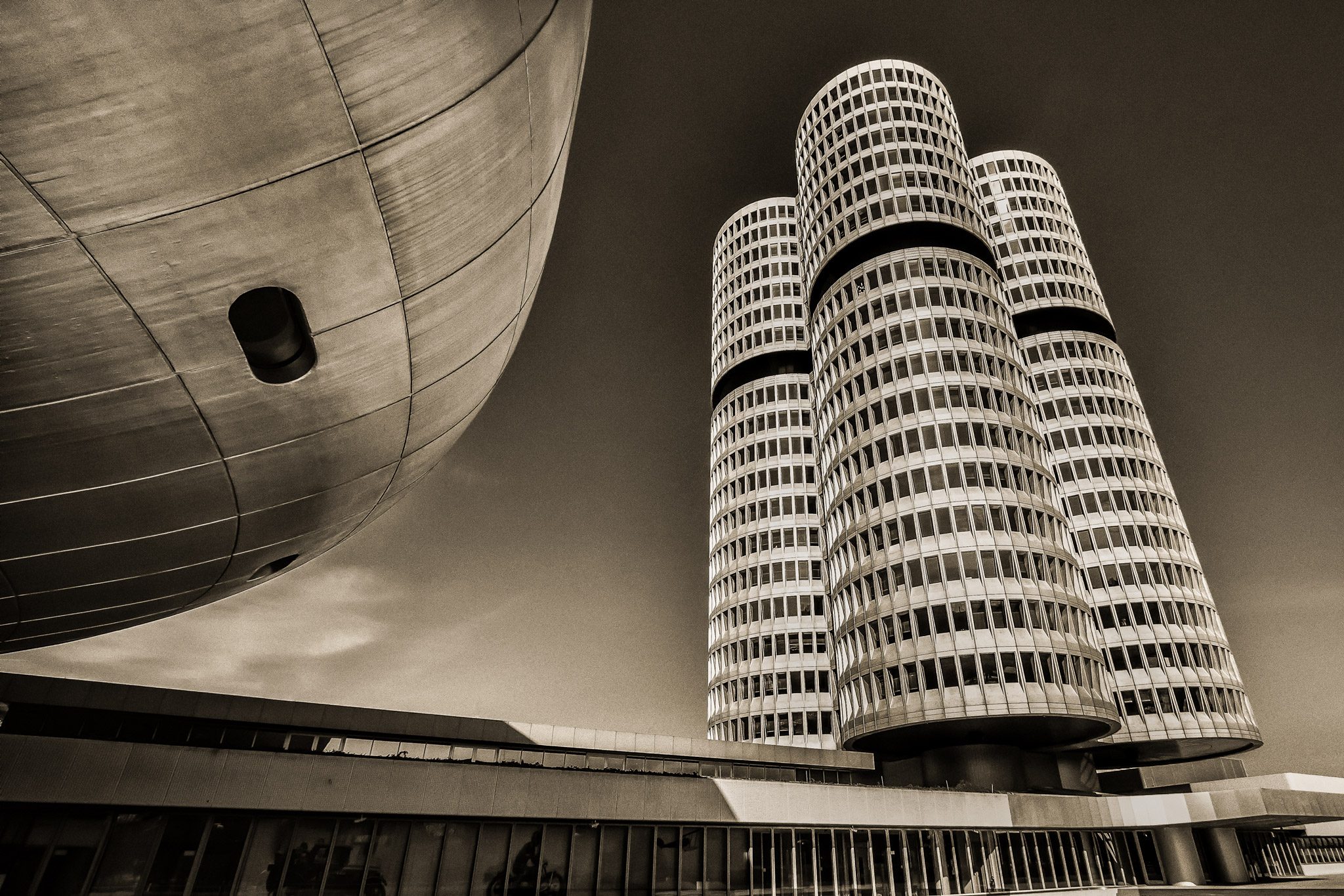 BMW Tower (Foto: Andreas Ochsenkühn)