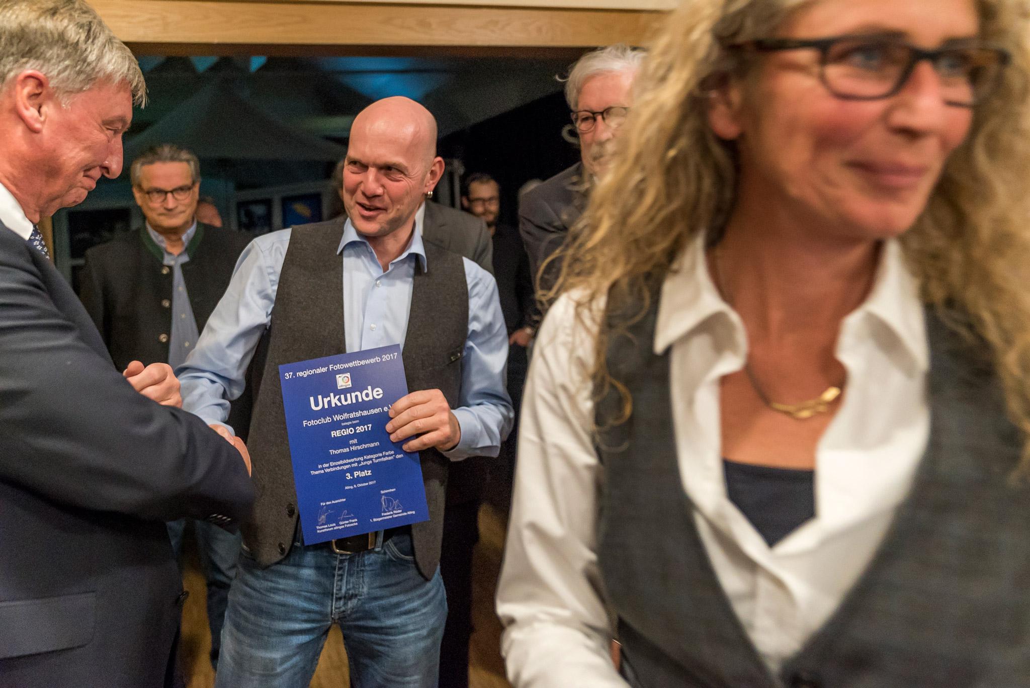 Regio 2017: 1. Bürgermeister Frederik Röder gratuliert Thomas Hirschmann
