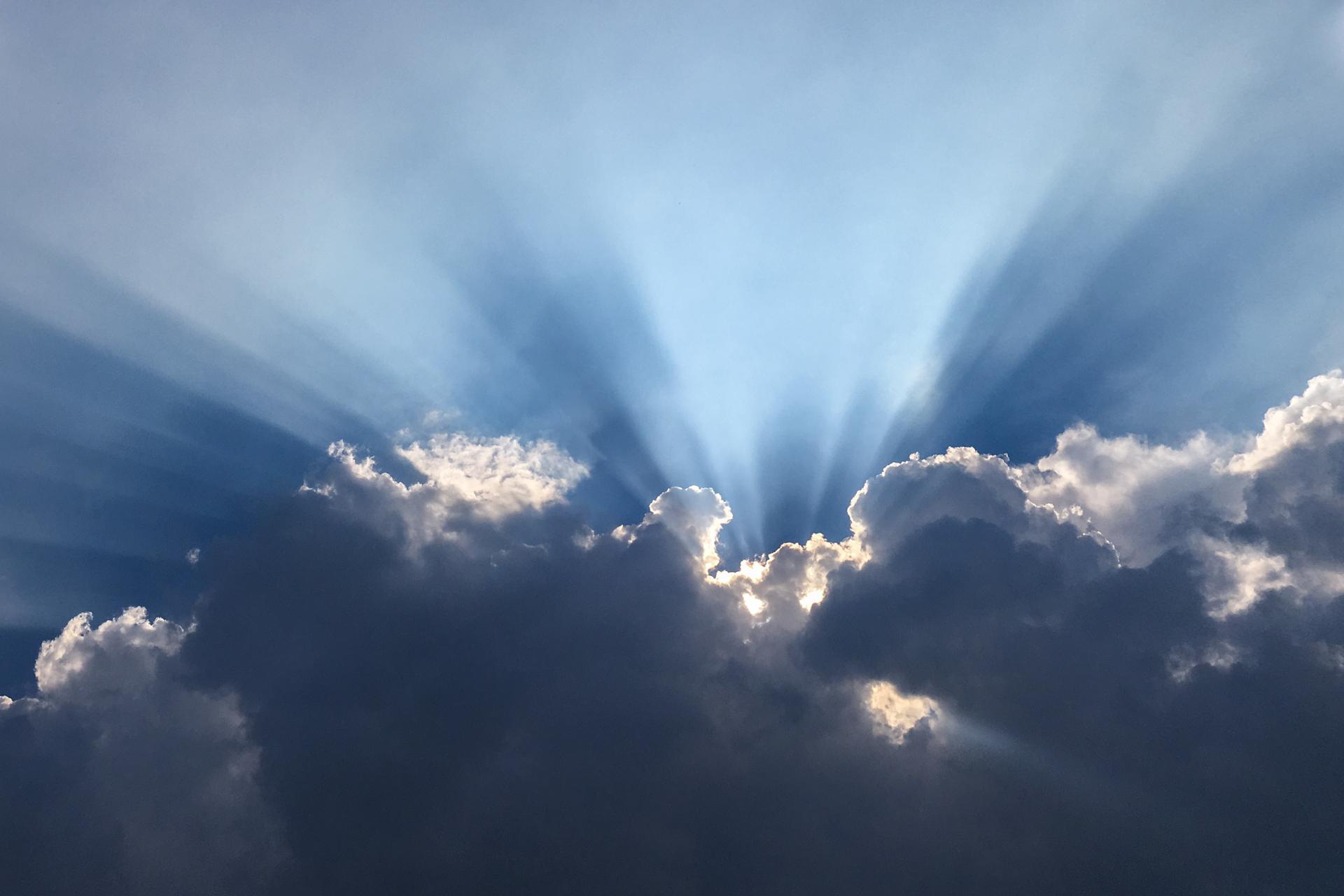 Wolken am Himmel von Peter Schreyer