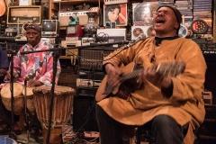 Marokkanischer Musiker von Gisela Moutschka
