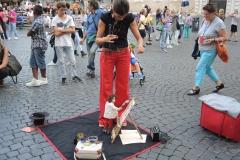 Römische Straßenkünstlerin von Manfred Wegner