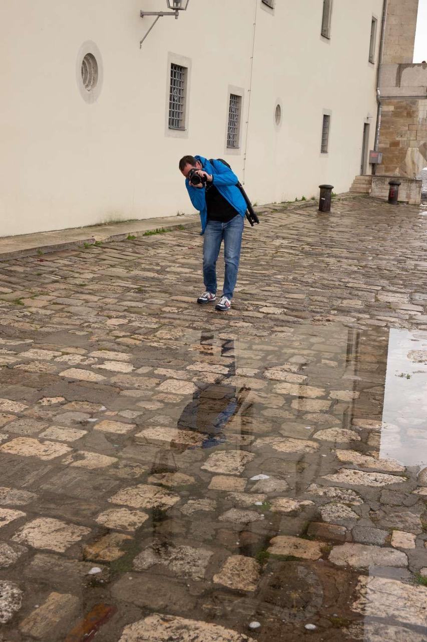 Hinter den Kulissen: Shooting im verregneten Regensburg (Foto: Klaus Rühling)