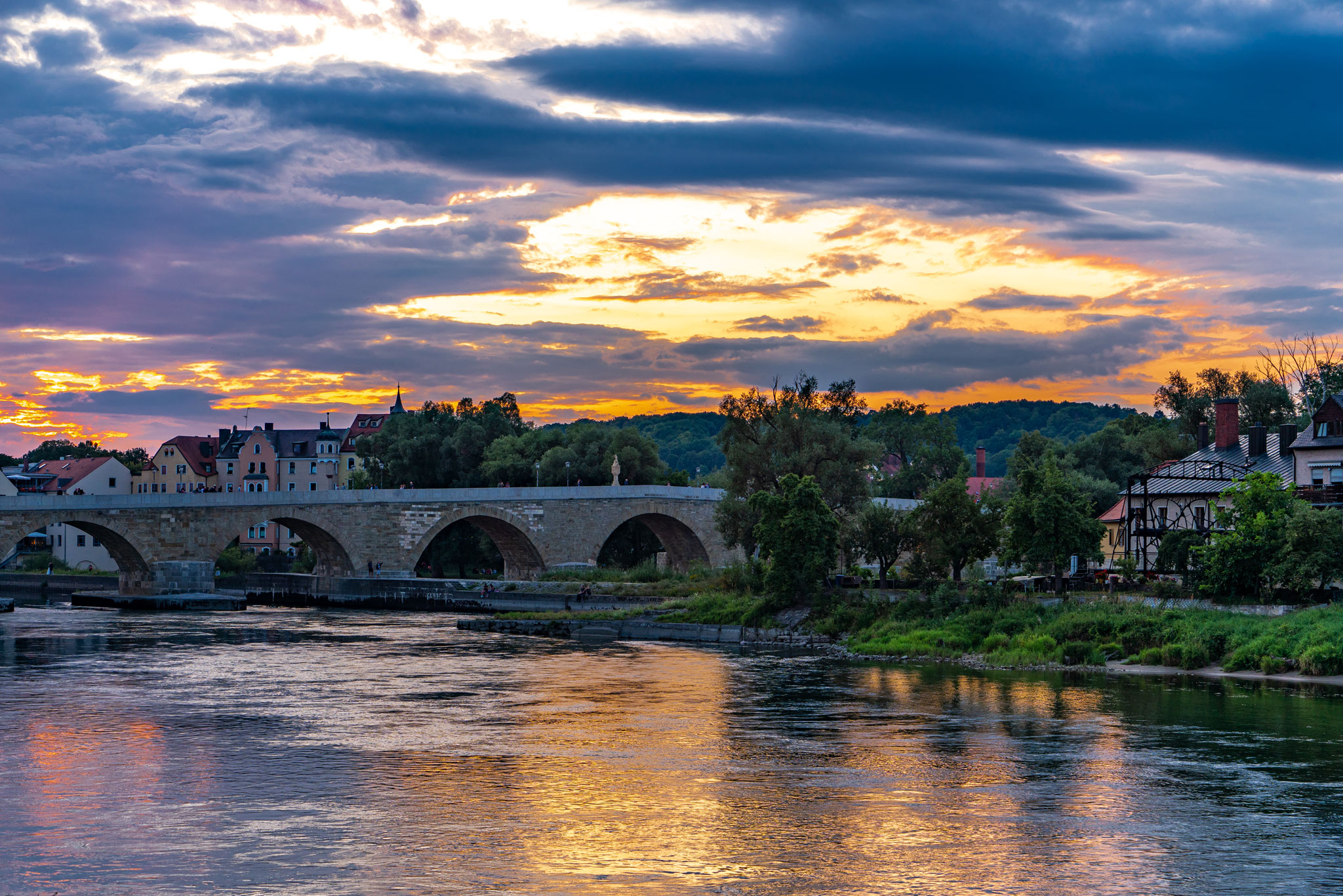 Sonnenuntergang über der Donau (Foto: Sandra Ilmberger)