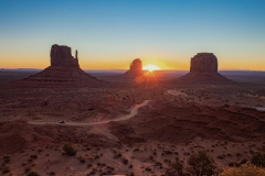 Sonnenaufgang im Monument Valley (Foto: Klaus Rühling)